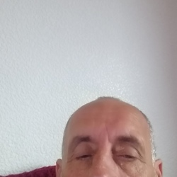 Ronnie is looking for singles for a date