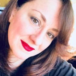 Adrienne, 50 from Arizona