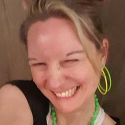 Karina (40)