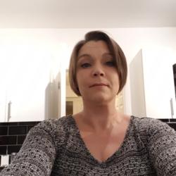 Vicki (38)