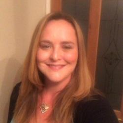 Laura (38)