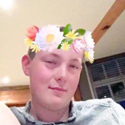 Andrew (23)