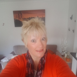Pinklace is looking for singles for a date