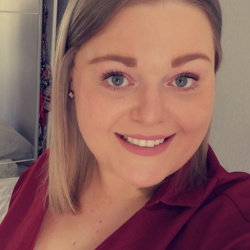 Rhian is looking for singles for a date