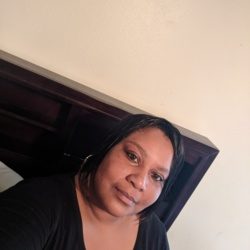 Alicia is looking for singles for a date