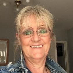 Melanie (59)