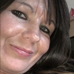 Janet (40)
