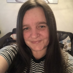 Tracyjane is looking for singles for a date