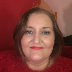 Fran is looking for singles for a date