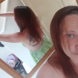 Jodiebean is looking for singles for a date