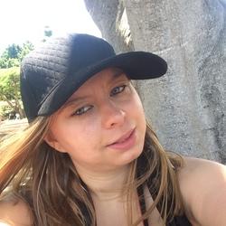 Amy (23)