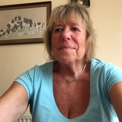 Rose-Marie is looking for singles for a date