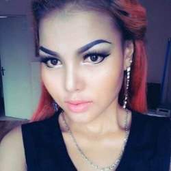 Murielle is looking for singles for a date