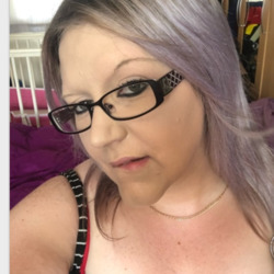 Lillian is looking for singles for a date