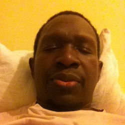 Alioune is looking for singles for a date