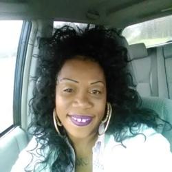 Monique (39)