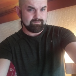 Vikingking is looking for singles for a date