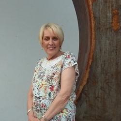Lynne (60)