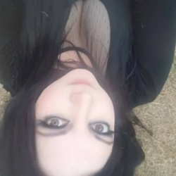 Samantha is looking for singles for a date
