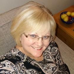 Lyndsay (57)
