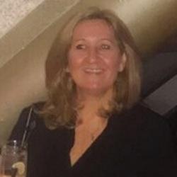 Lesley (48)