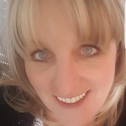 Sallyann is looking for singles for a date