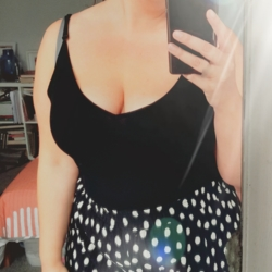 Marianne is looking for singles for a date
