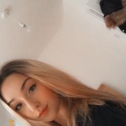 Molly (19)