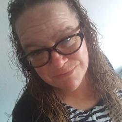 Pamela, 47 from California