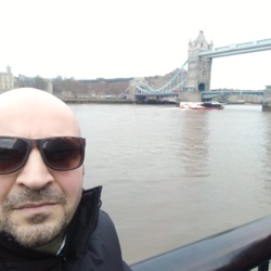 Aydemir is looking for singles for a date