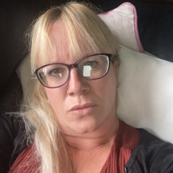 Kathleen is looking for singles for a date